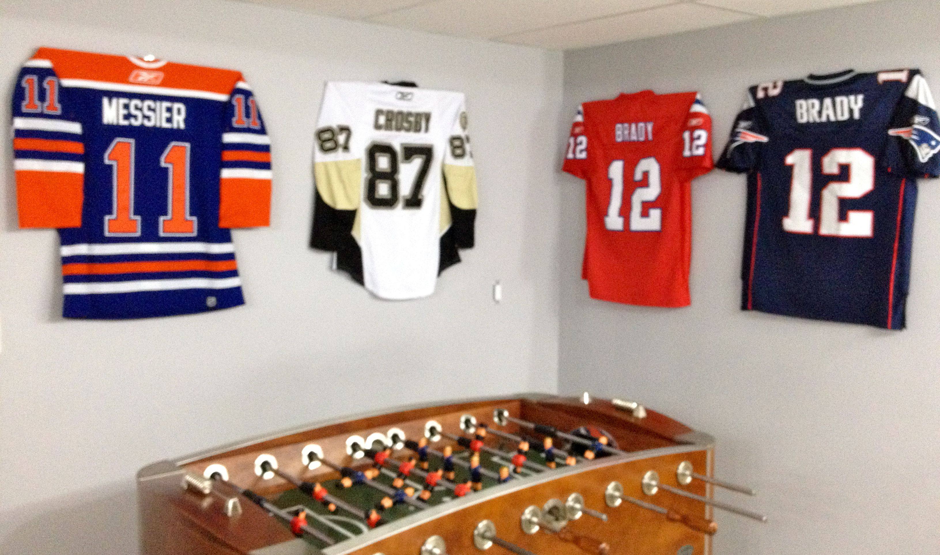 the ultra mount jersey display hanger helps create a sweet game