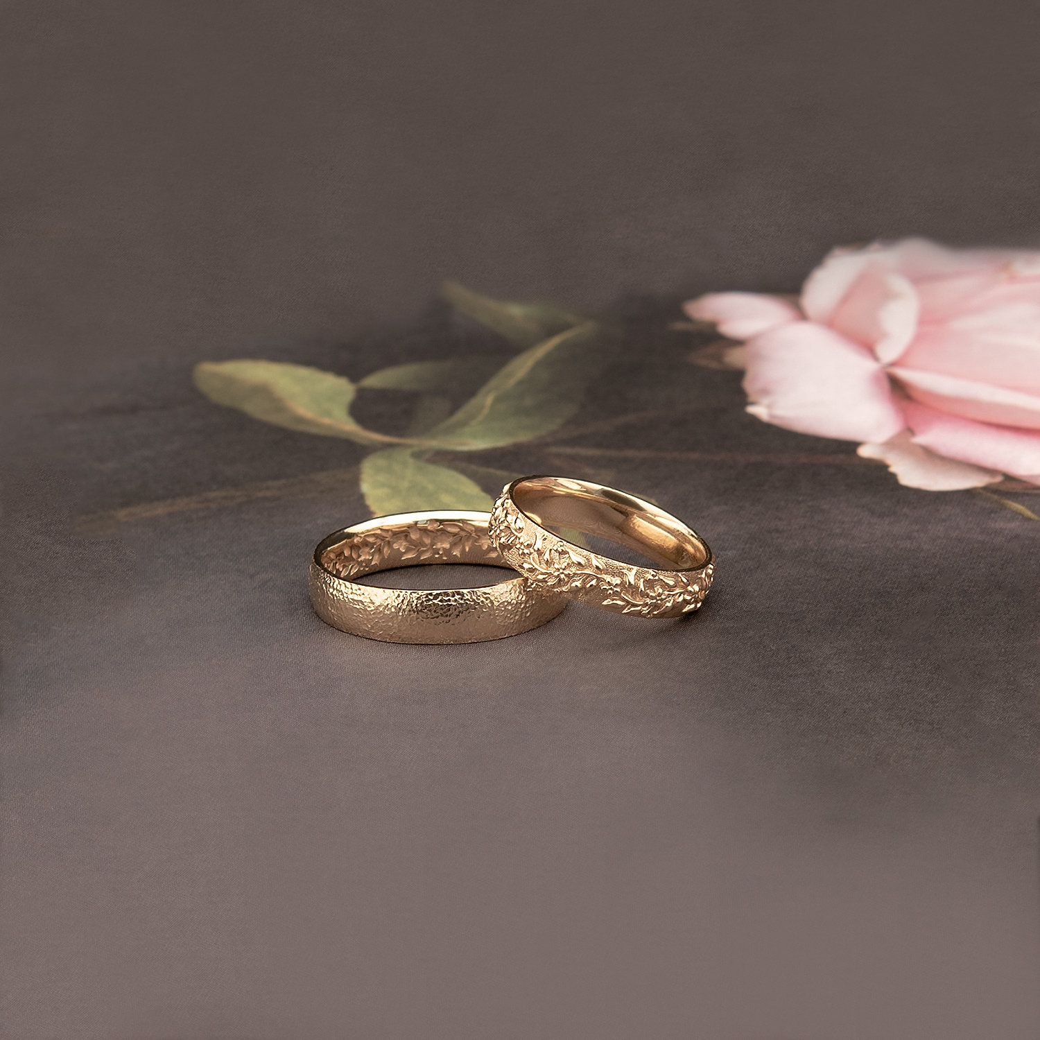 Sirmione And Desenzano Boho Wedding Rings With Amazing Floral Pattern Carved On Rings Gold Wedding Bands Inspired By Nature Gold Band Wedding Ring Boho Wedding Ring Interesting Wedding Rings
