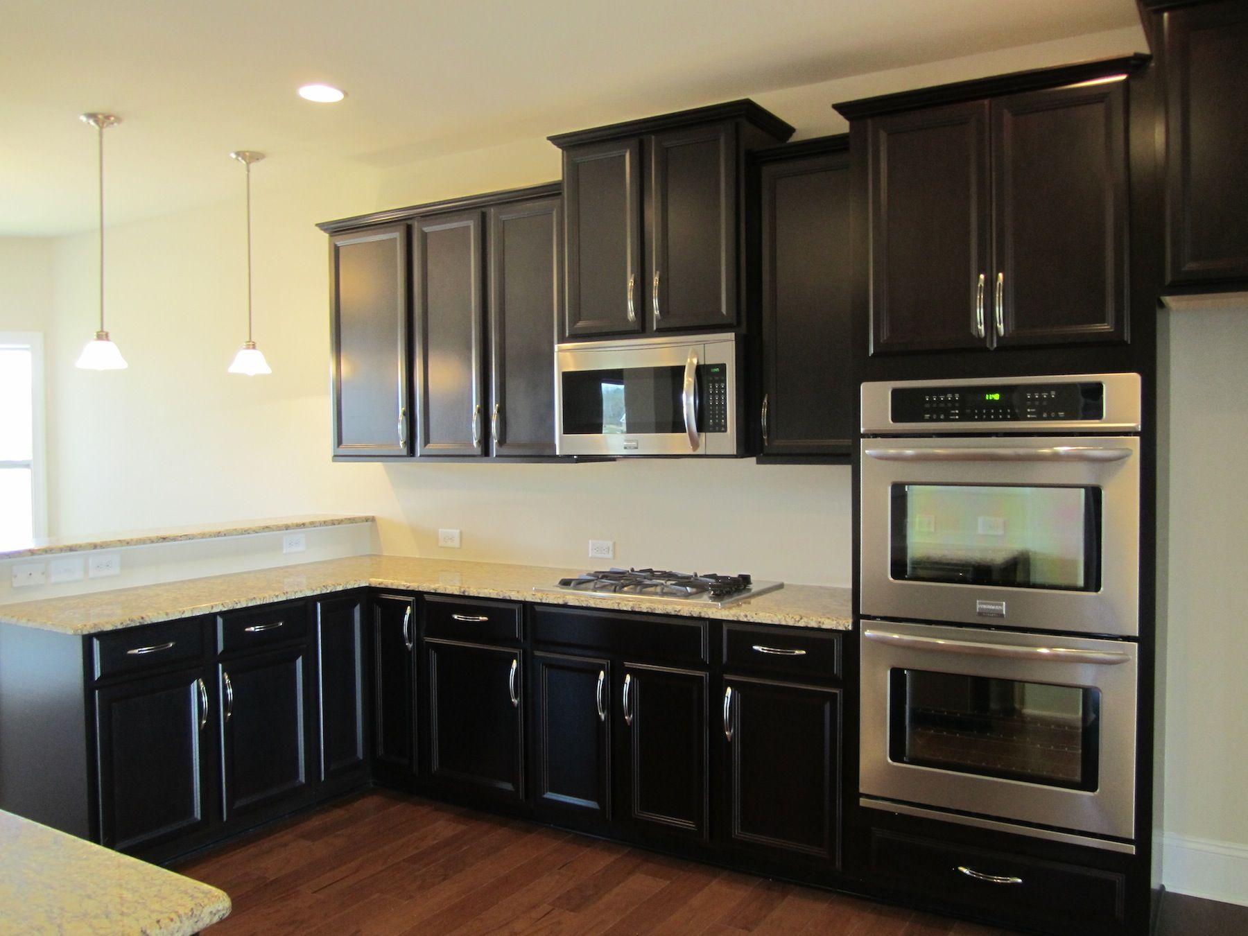 Ballentine gourmet kitchen timberlake tahoe maple for Kitchen designs espresso cabinets