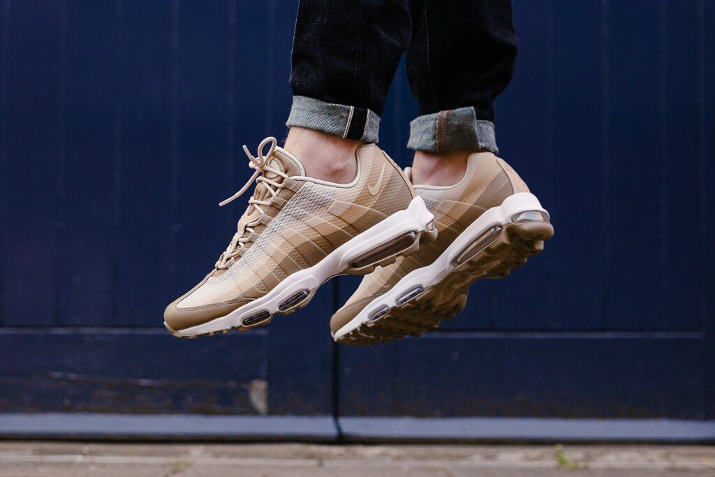 Nike Air Max 95 Ultra Essential Mens KhakiOatmealLinen
