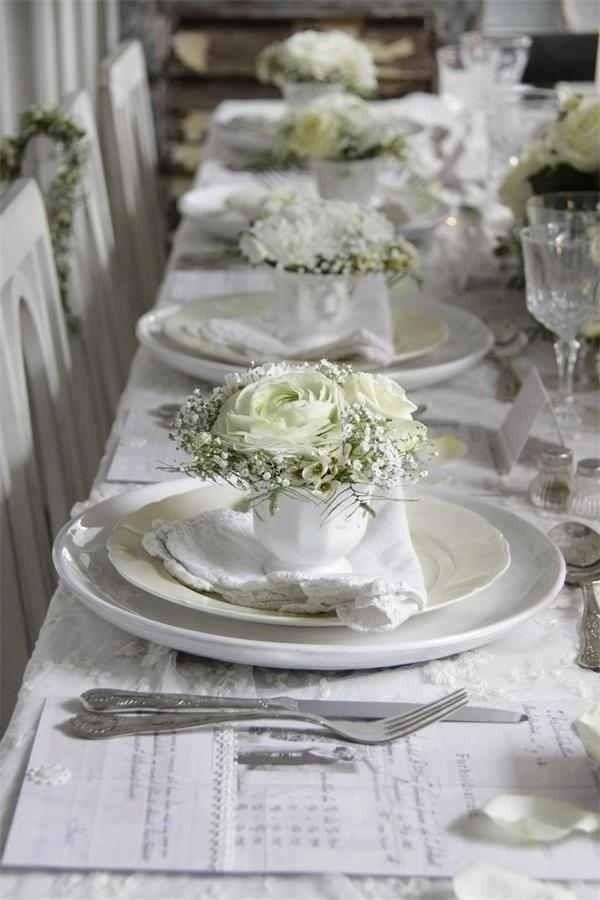 lovely white table setting with roses and baby\u0027s breathe. or how to make baby\u0027s breath elegant with all white. & Love the inidual flower placings makes for a very personal ...