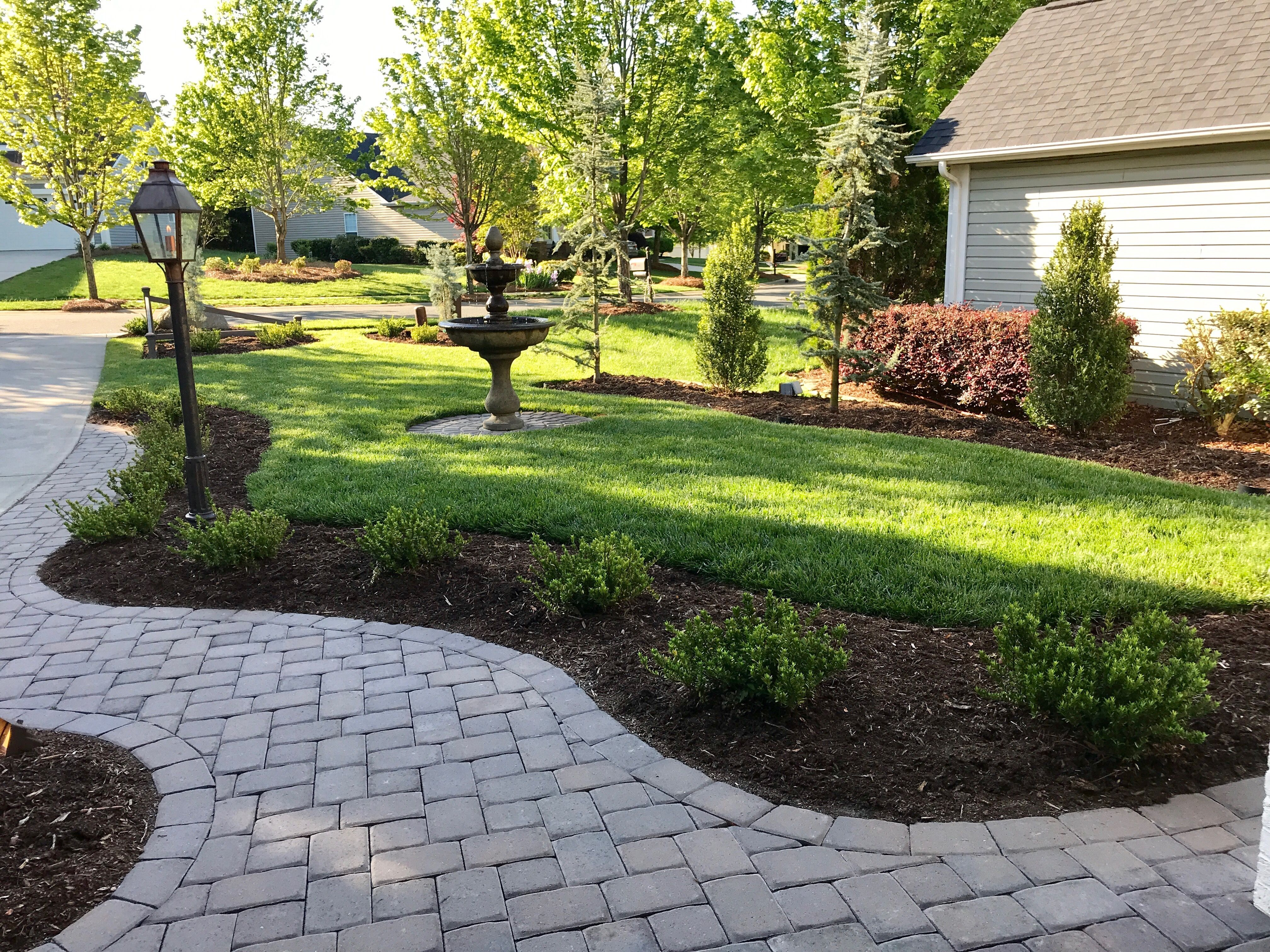 Simple But Elegant Landscape Design For The For A Small Front Yard