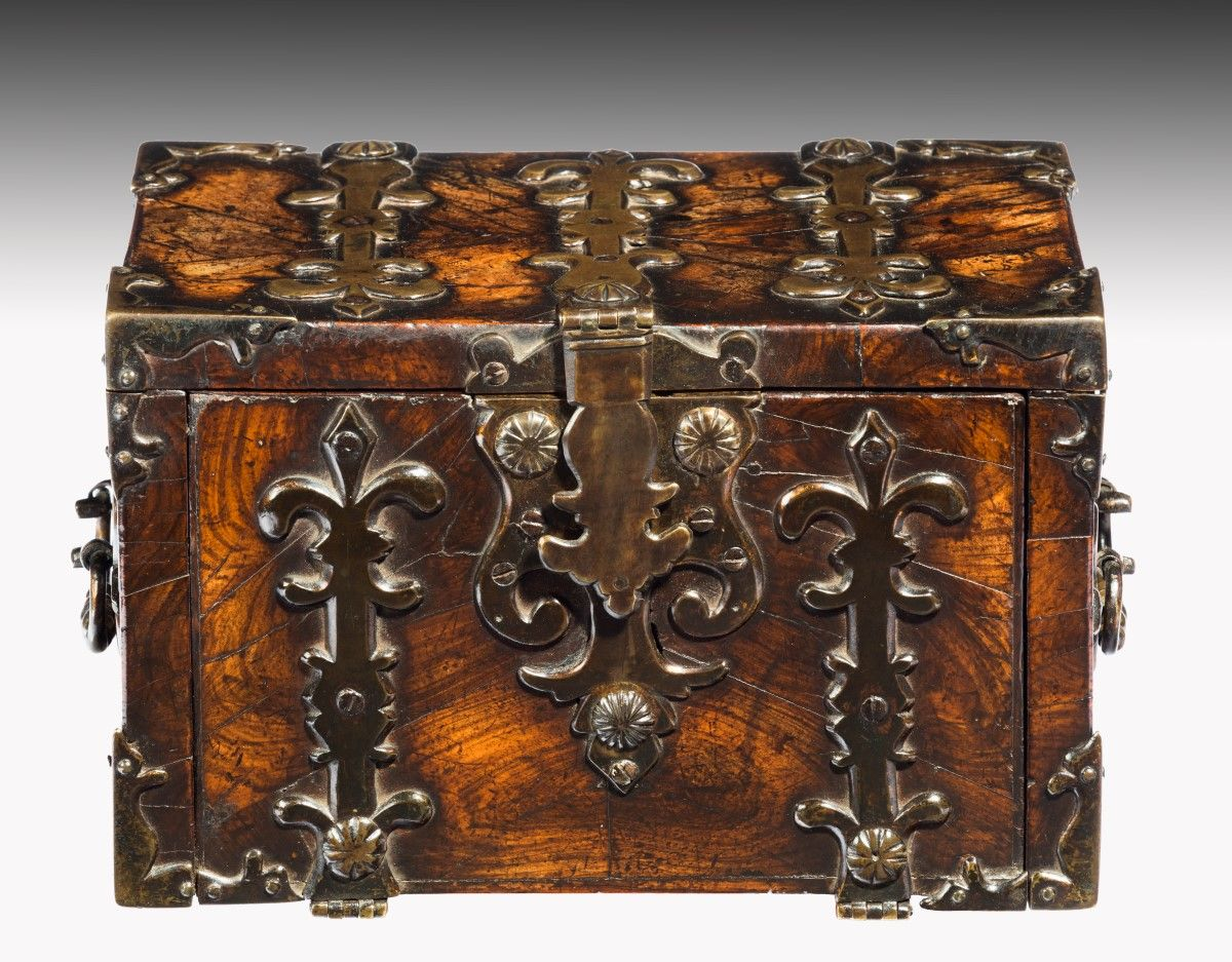 6490 Early 18th Century Small Strong Box in Kingwood | CAJAS FUERTES ...
