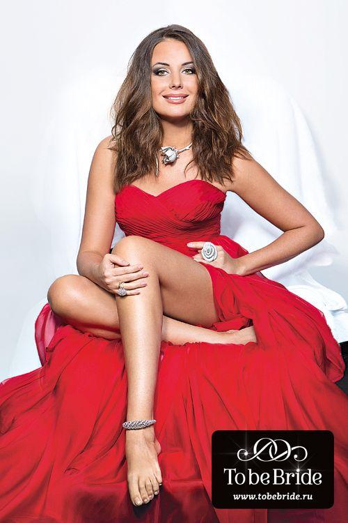 Федорова в красном платье
