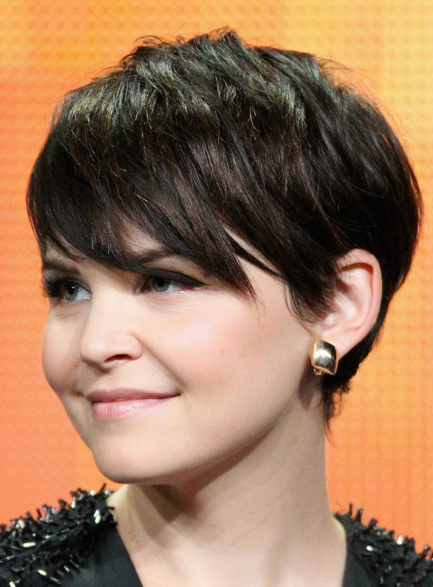 Short Choppy Hairstyle Straight Natural Dark Perfect Capless Synthetic Wig