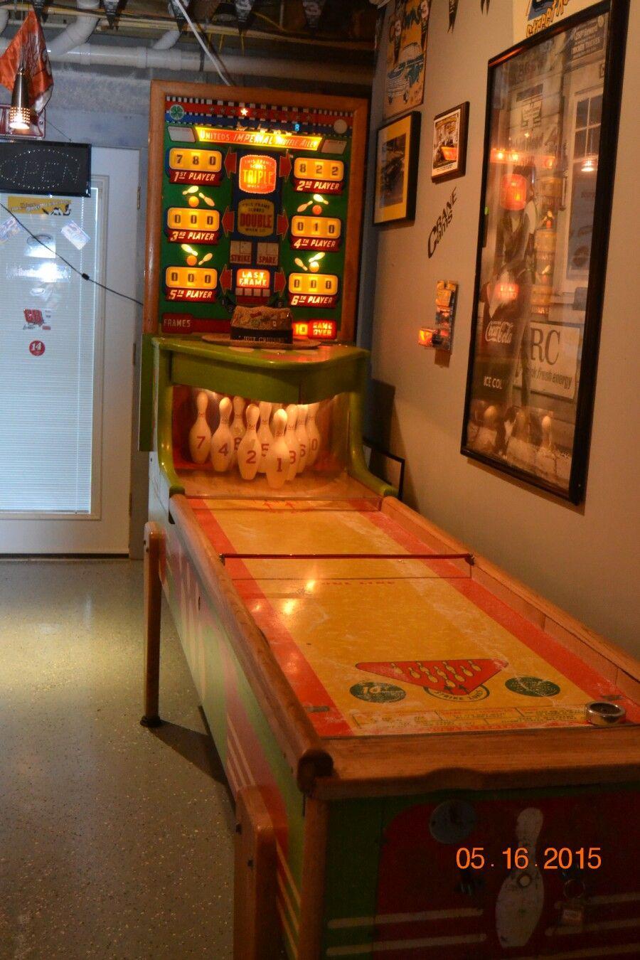 Bowling shuffleboard game Shuffleboard games, Shuffleboard