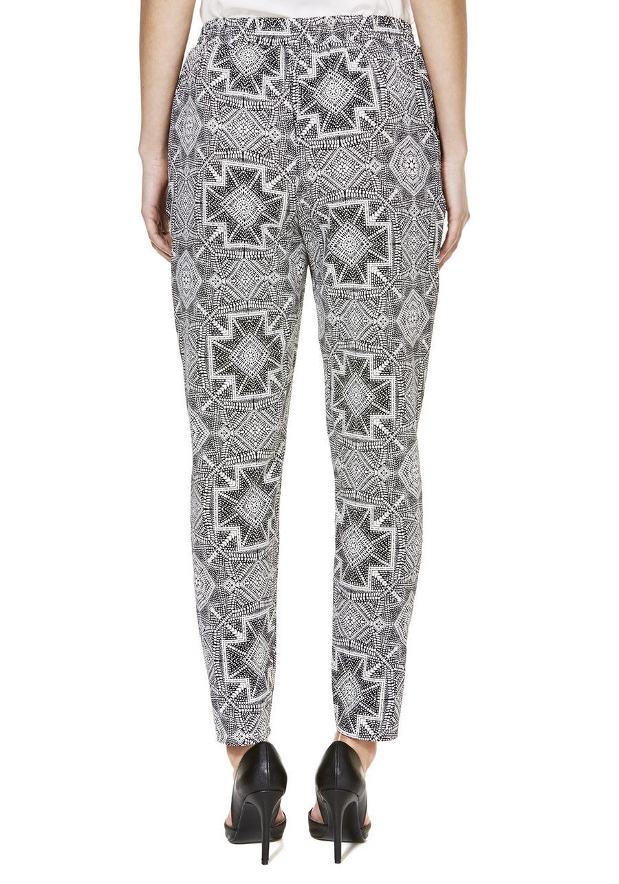 Clothing at Tesco | F&F Tile Print Tailored Joggers > outfit-builder > Trousers > Women