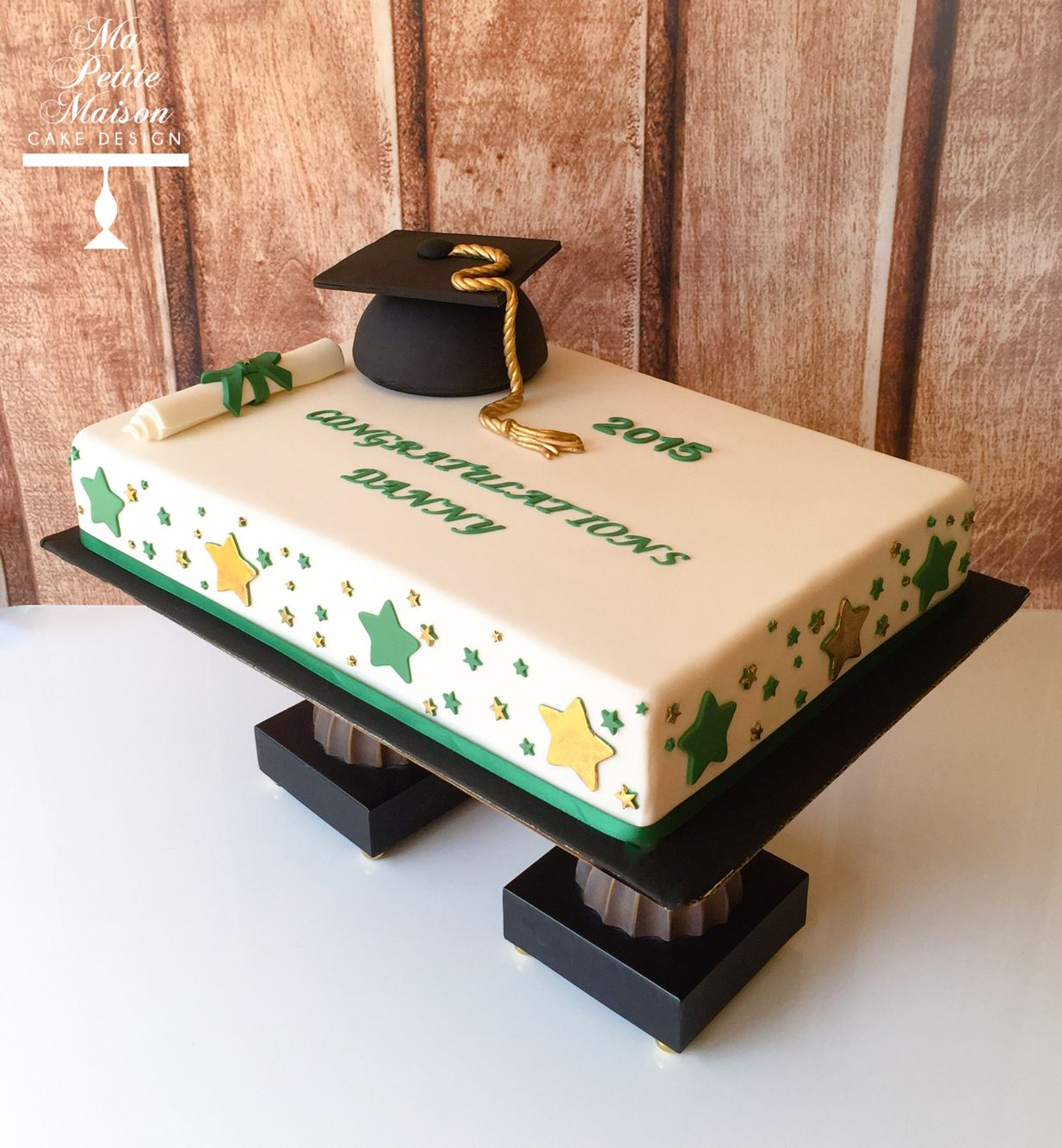 Gold And Green Fondant Rectangle Rectangular Graduation Sheet Cake With Stars Mortarboard Cap Graduation Sheet Cakes Graduation Cakes Graduation Cake Designs