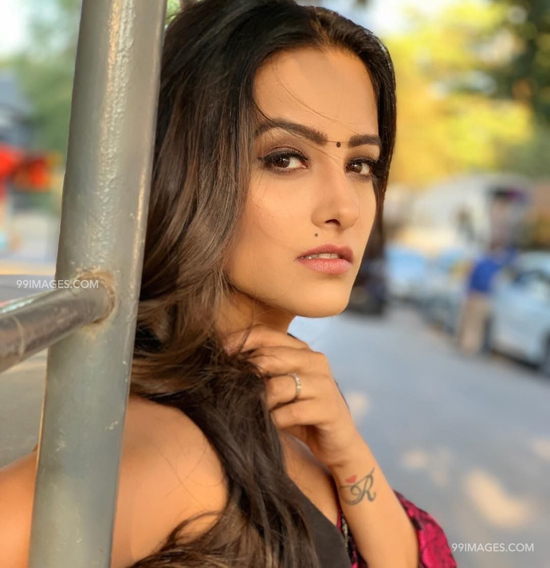 Anita Hassanandani Beautiful Hd Photos Mobile Wallpapers Hd Android Iphone 1080p 21770 Hd Photos Hd Wallpapers For Mobile Most Beautiful Indian Actress