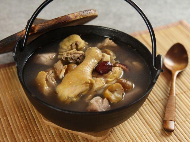 Korean Ginseng Chicken Soup http://www.daydaycook.com/recipe/1/details/24061/Korean-Ginseng-Chicken-Soup.html