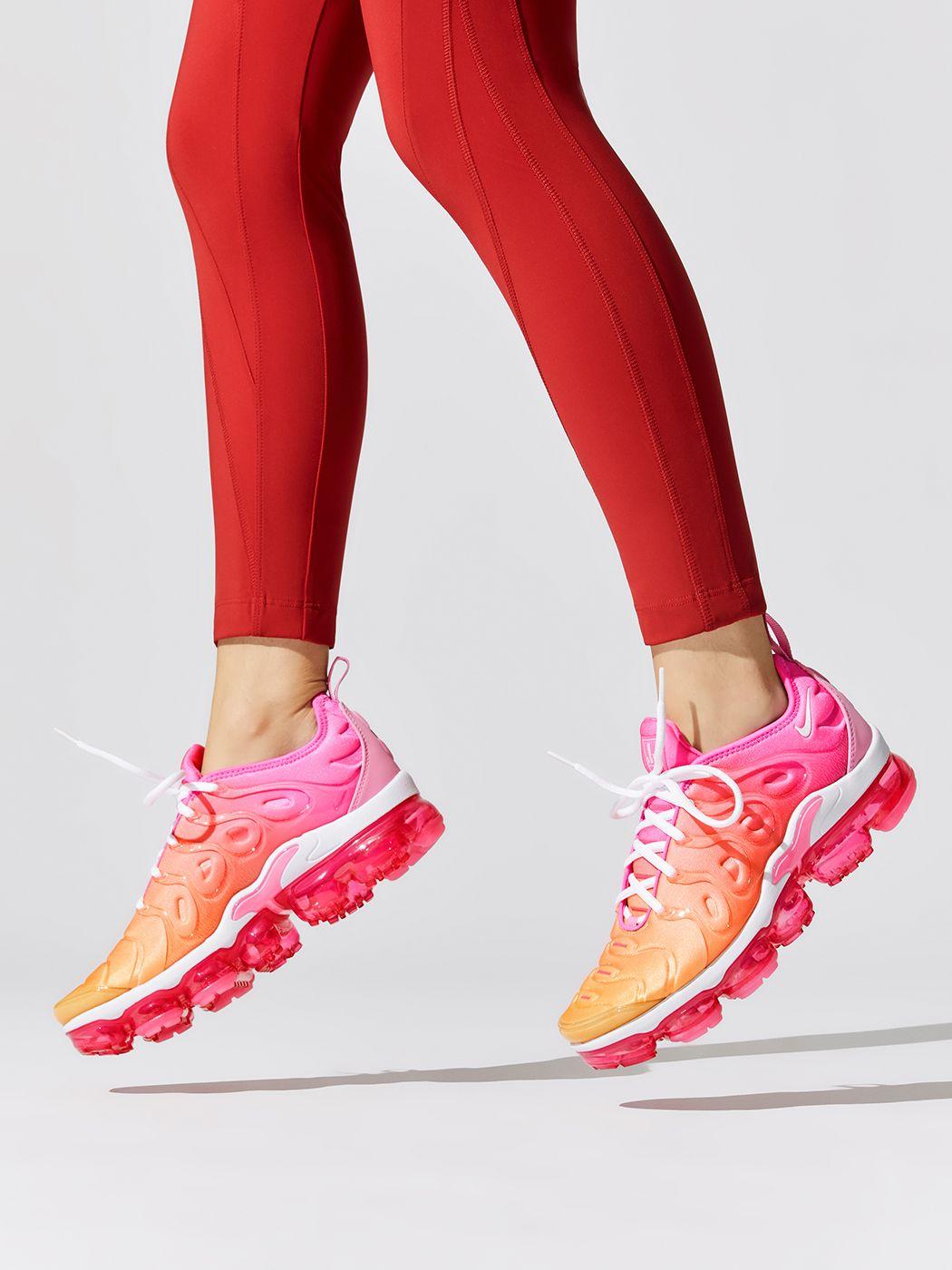 nike air vapormax plus women's pink