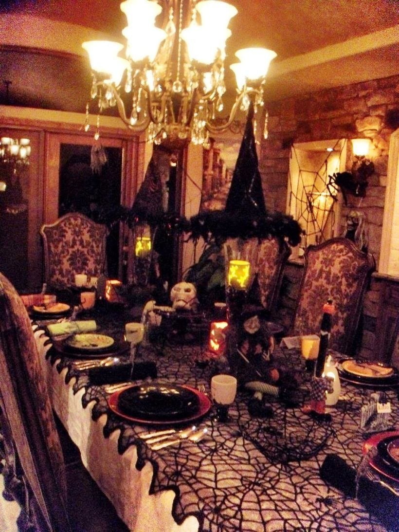 67 Stylish Halloween Dining Room Decoration Ideas Indoor halloween - Inside Halloween Decorations