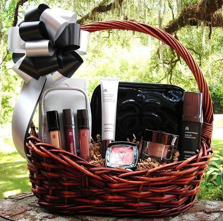 20 Best Gifts For New Moms Makeup Gifts Basket Diy Makeup Gift Basket Arbonne Gifts