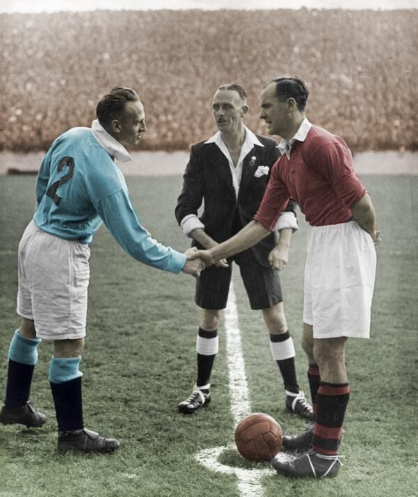 Manchester Derby Classic Pictures Archive Images Of Best Law