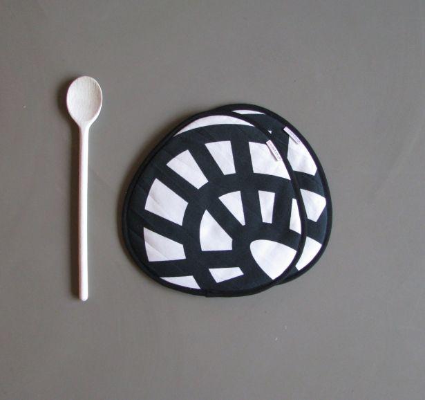 Black And White Designer Kitchen Potholders by redstitch on Gourmly