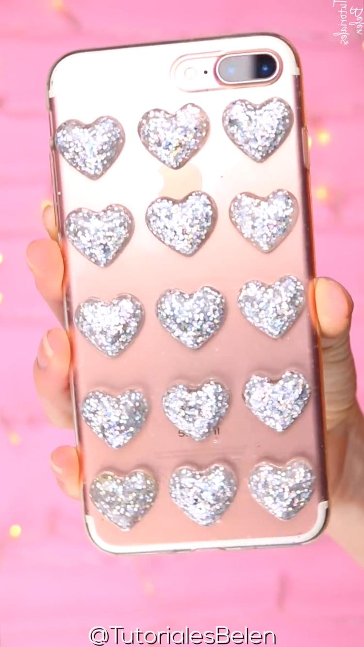 Como decorar la funda de tu celular   DIY Resin Hearts Phone Case [Video] en  2020   Manualidades, Fundas, Joyería para hacer tutoriales