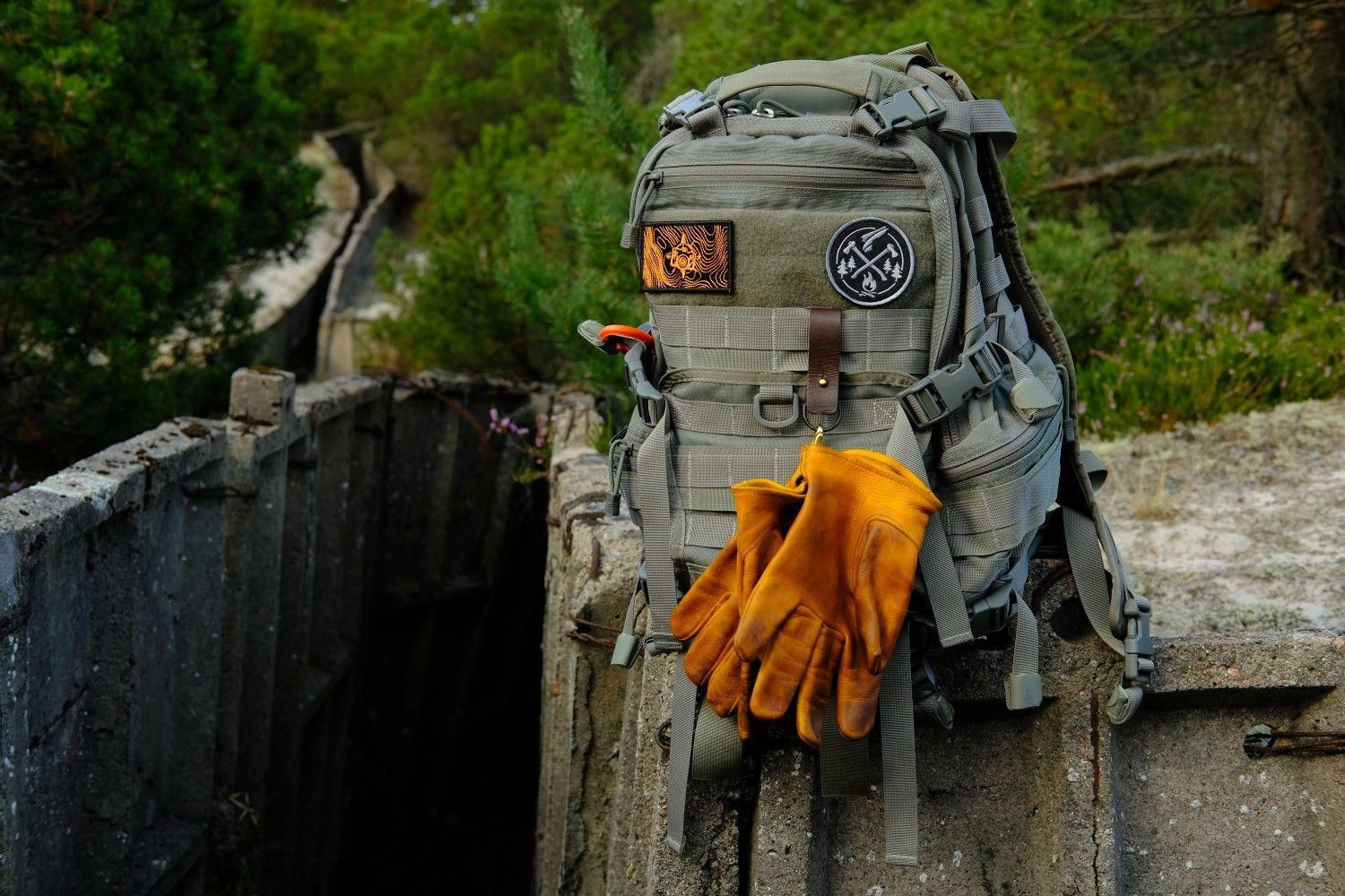 TAD fast pack EDC with Crud of Sweden gloves | tactical gear Setup