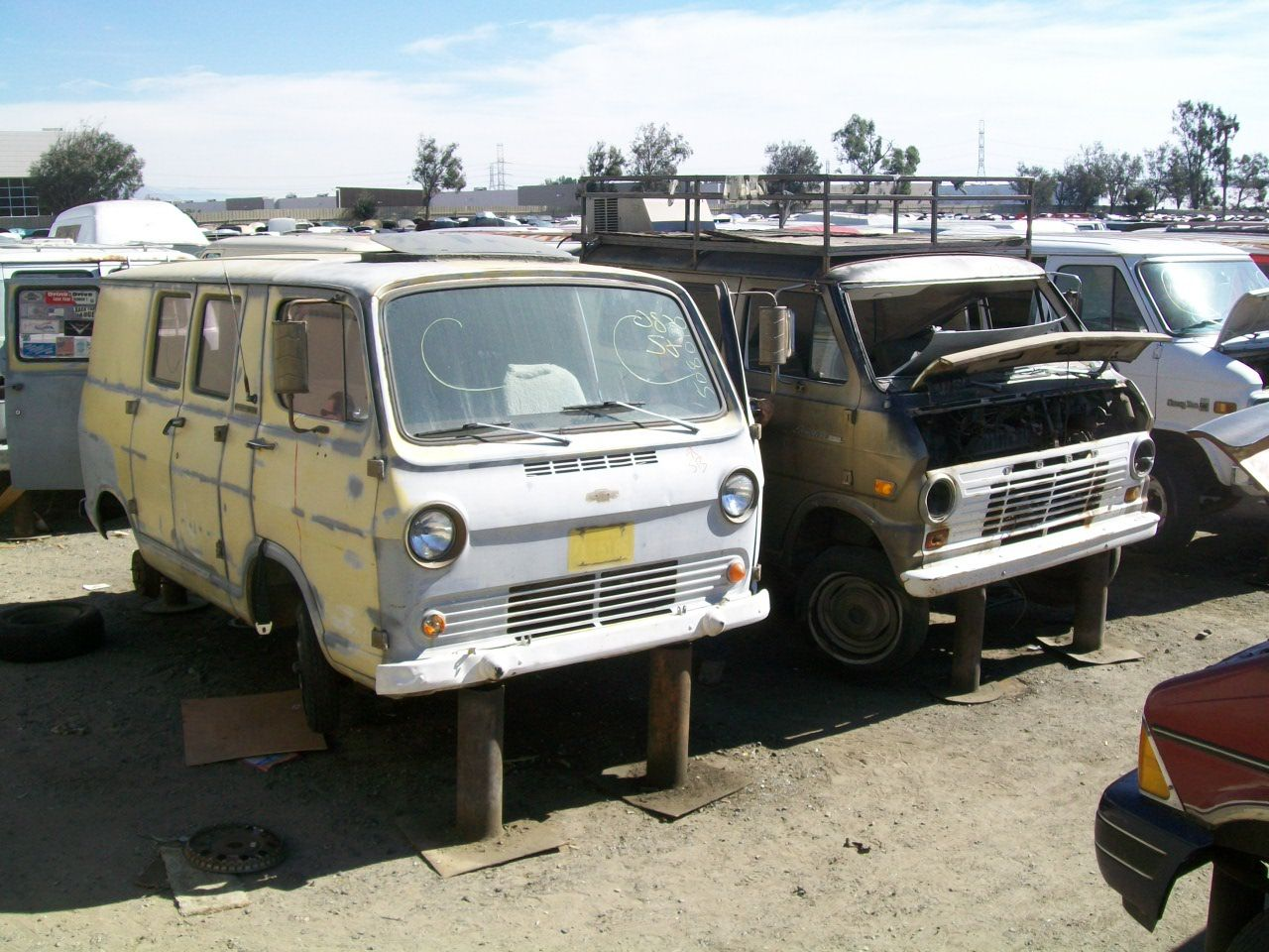 Van Graveyard Council Of Council Junkyard Run Chevy Van Cool
