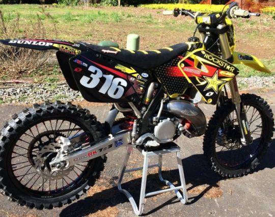 How To Buy A Used Dirt Bike Suzuki Dirt Bikes Pit Bike Suzuki Motocross