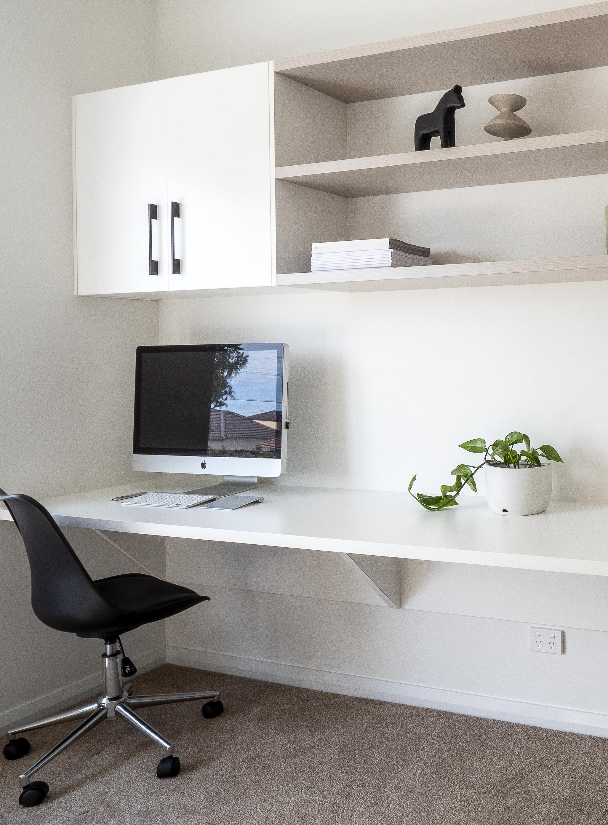 Home Office Floating Desk In 2020 Floating Desk Home Desk