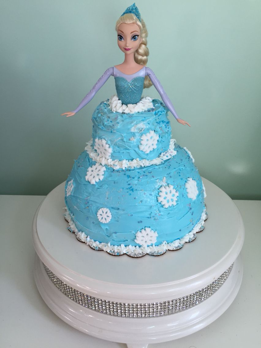 Elsa cake I made for my daughters 4th Birthday Party!