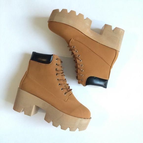 Platform timberland boots 90s Nastygal
