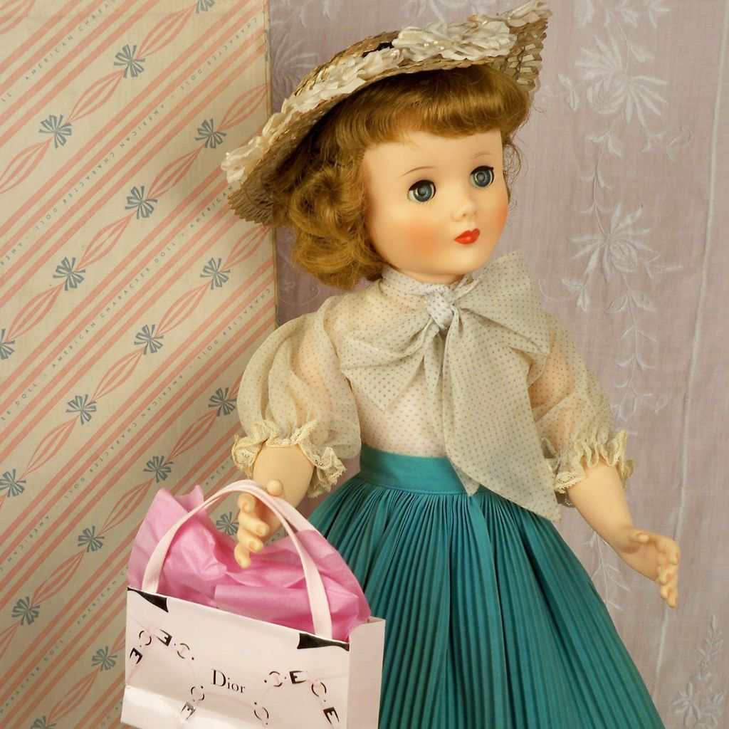 """Stunning 1950s 25"""" Sweet Sue Flexible Foot American Character, Box, Insert, Extra Outfits"""