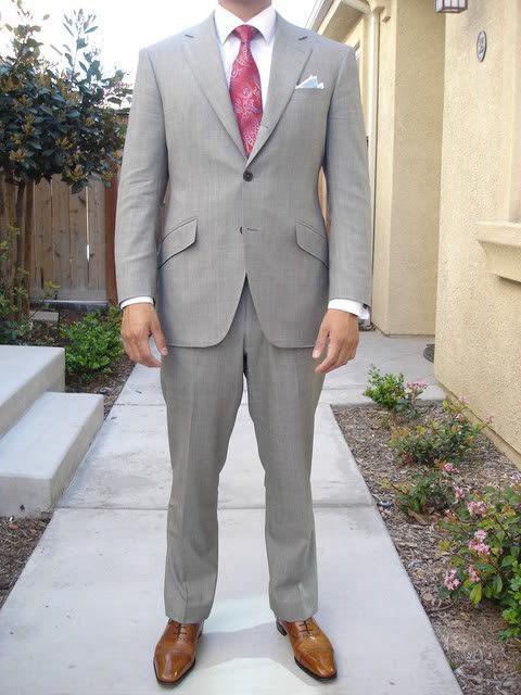 groomsmen attire | Light grey suit