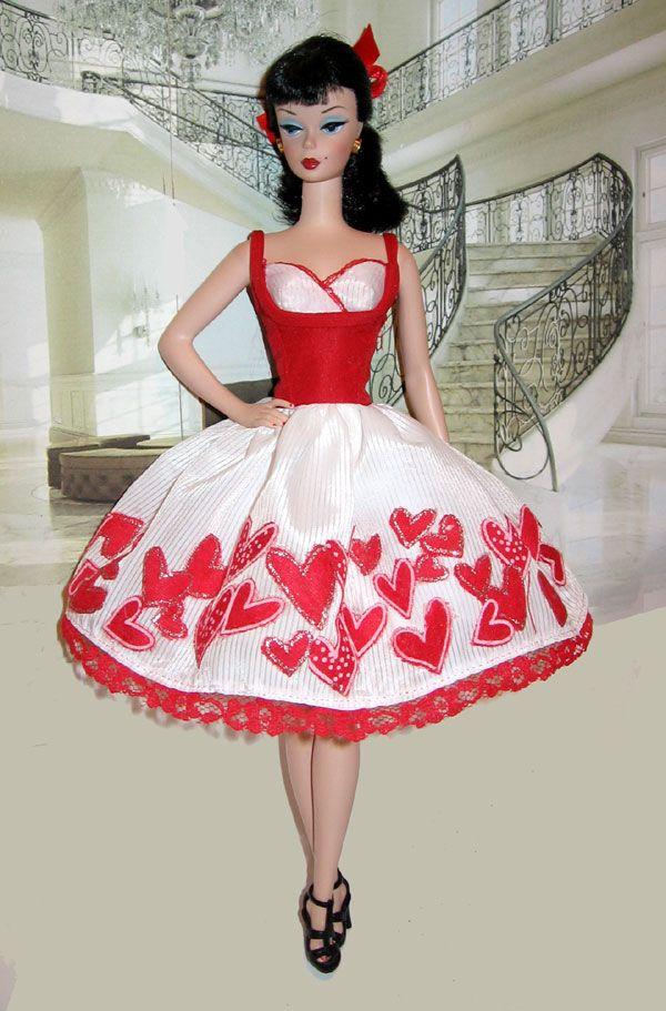 Cupid Kisses-- Fashion Editor Barbie