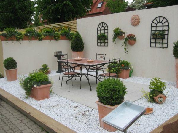 terrasse schön mit pflanzen und möbeln anlegen - Die besten Ideen