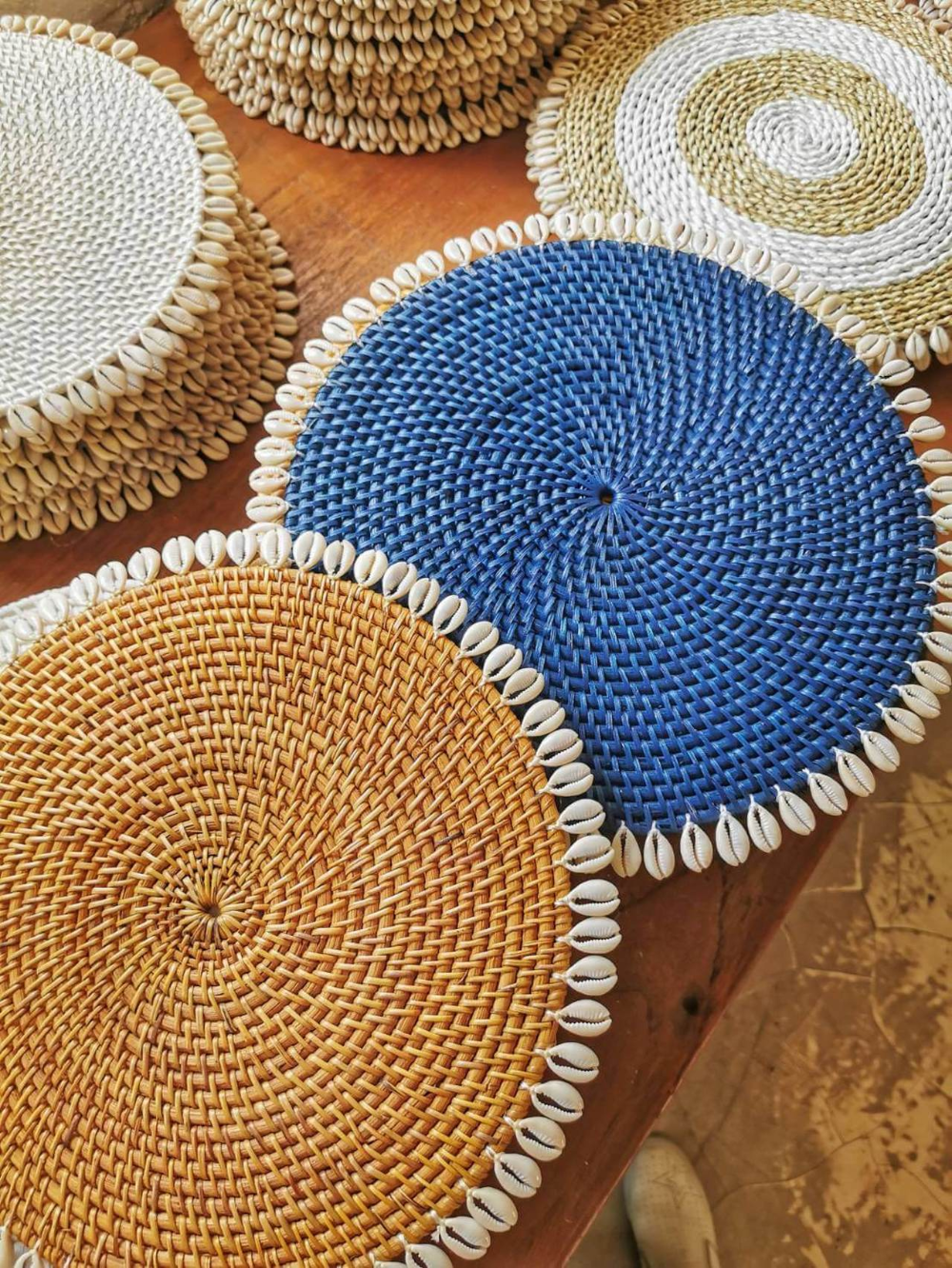 Round Rattan Placemats With Shells From Bali Set Of 4 Placemats Natural Placemats Rattan