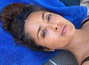 Salma Hayek non nasconde i capelli bianchi – VanityFair.it