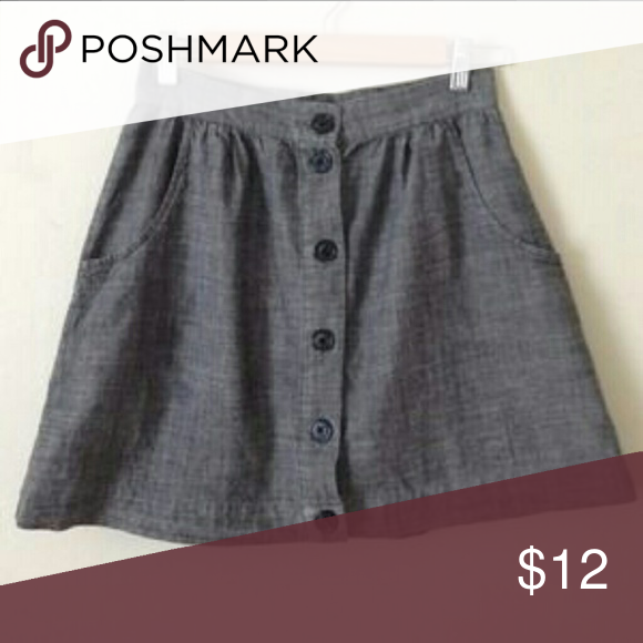 Forever 21 Button Front Grey Skirt Versatile skirt,  great for work or a night out! Forever 21 Skirts Mini