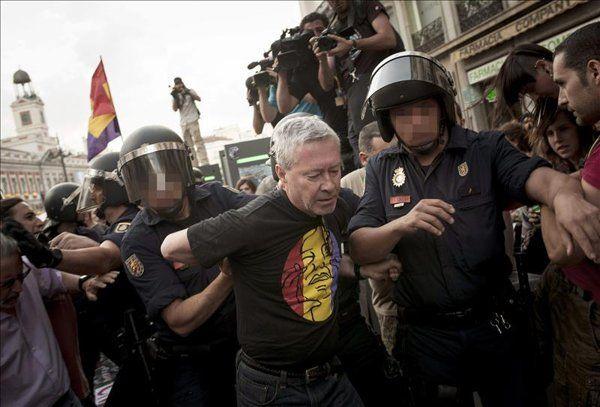 Cinco detenidos, entre ellos Jorge Vestrynge, en la concentración en Sol - Yahoo Noticias España