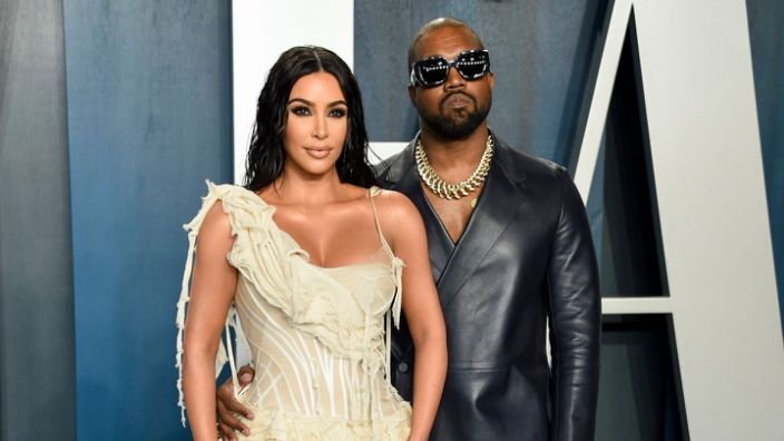 Get An Inside Look At Kim Kardashian Kanye West S Second 12 000 Sq Ft Ranch In Wyoming In 2020 Kim Kardashian And Kanye Kim Kardashian Kanye West Kim And Kanye