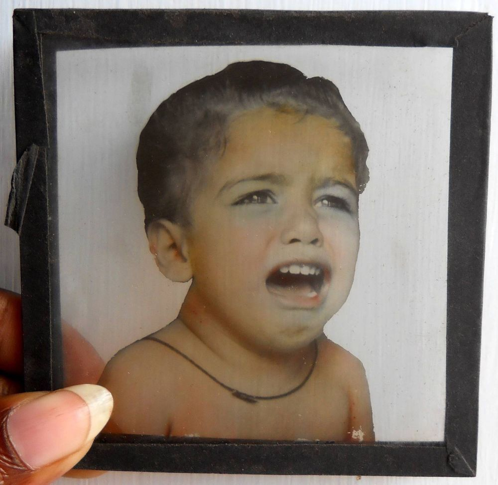 India 1930s Antique magic lantern glass Slide Photo weeping baby #Gs-41