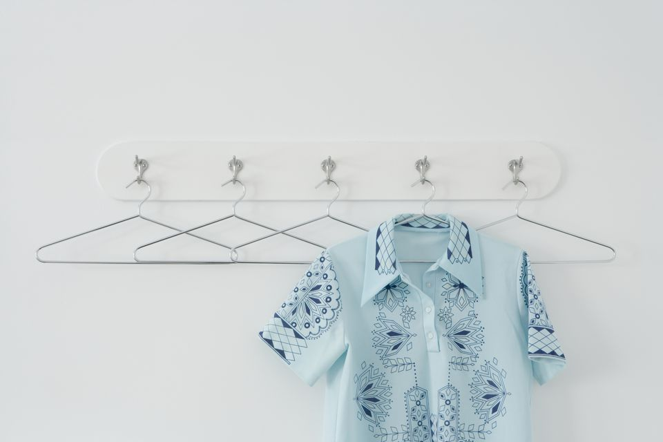 Don\'t Toss All your Wire Hangers! 12 Ways to Reuse Them | Wire ...