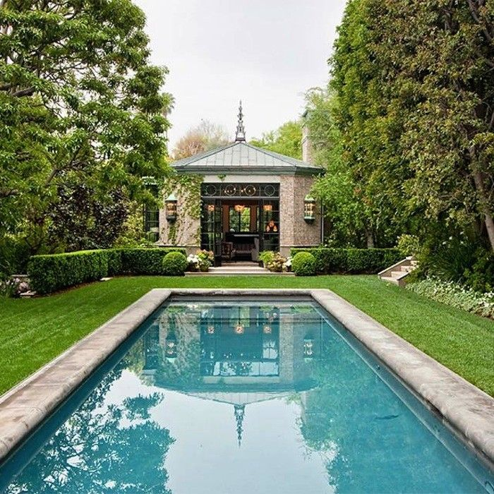 Outdoor Luxury Pool House: Summer Roundup: 9 Great Pool Houses