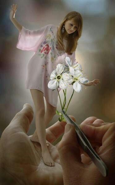 أحـــــــبــــــــــــــــــــــك والحقيقه فوق ماتتصور الأذهان أحبك يانظر عيني فداك الروح تملكها أحـــــــبـــــــــــــــــ Tiny Girl Photo Manipulation Photo