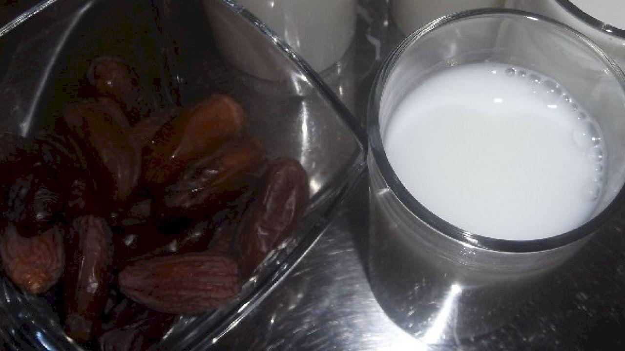 طريقة رجيم التمر واللبن بالتفصيل Milk Glass Of Milk Food