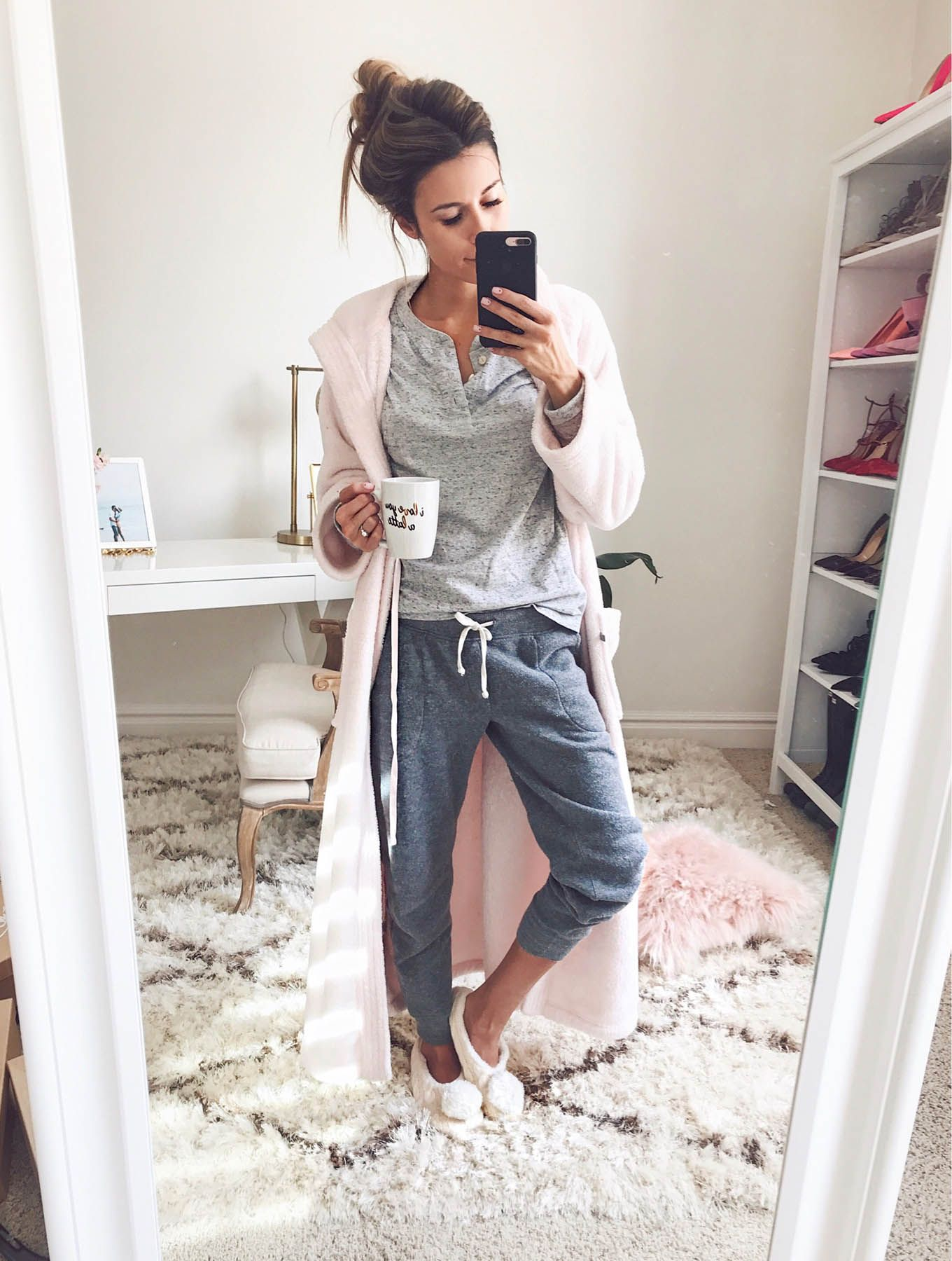 ce8abfd510a6 HelloFashionBlog  My Favorite Comfy Pieces Home Outfit
