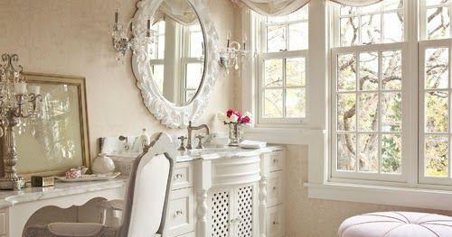 Romantismo, delicadeza, móveis rústicos, flores de lavanda e paleta de tons claros. Um estilo que nos convida a uma saborosa viagem no tempo.