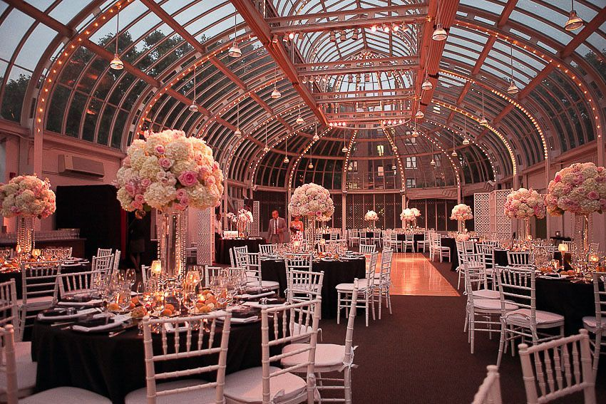 Brooklyn Botanical Garden Palm House Wedding Cost In 2020 Brooklyn Botanical Garden Brooklyn Botanical Garden Wedding Botanical Gardens Wedding