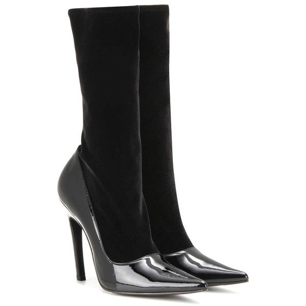 Balenciaga Velvet and Patent Leather Boots (14.030 ARS) ❤ liked on Polyvore featuring shoes, boots, balenciaga, black, balenciaga shoes, black velvet shoes, black velvet boots and kohl shoes
