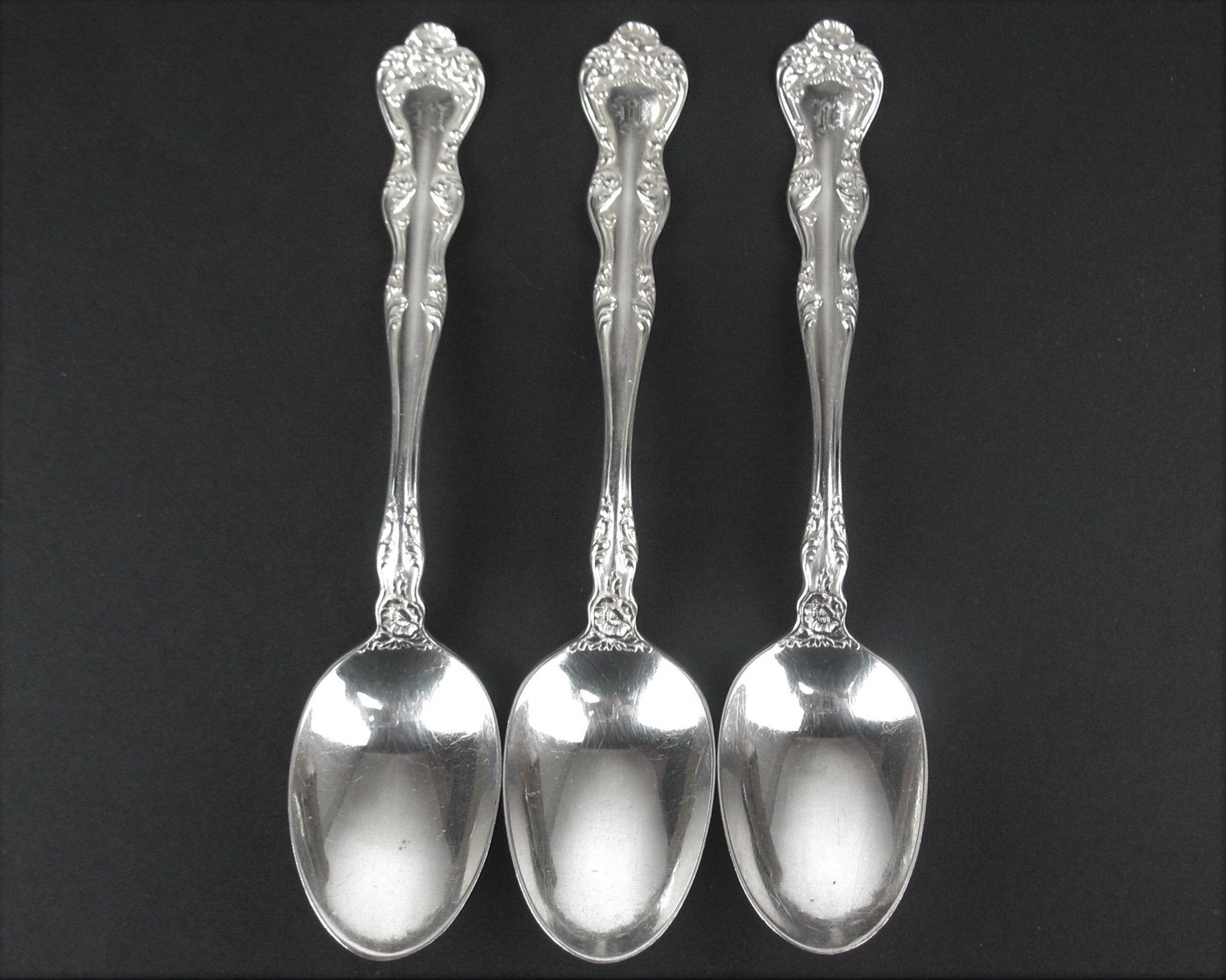 """FLORAL 6/"""" FLAT HANDLE BUTTER SPREADER S by Wallace Silverplate 1902"""