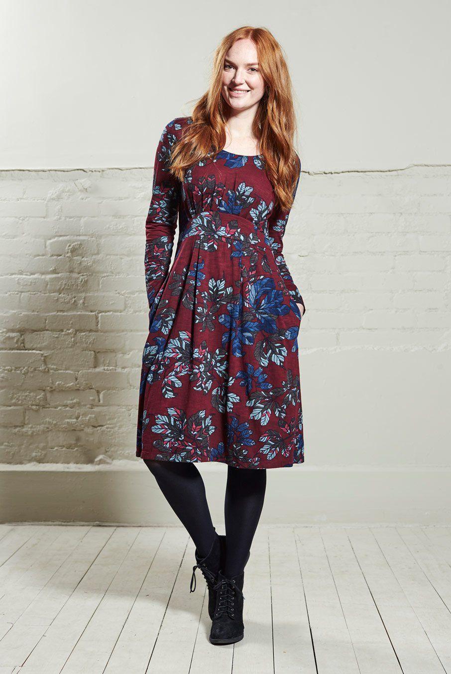 df71716ae1c7 Působivé šaty s řasenou sukní