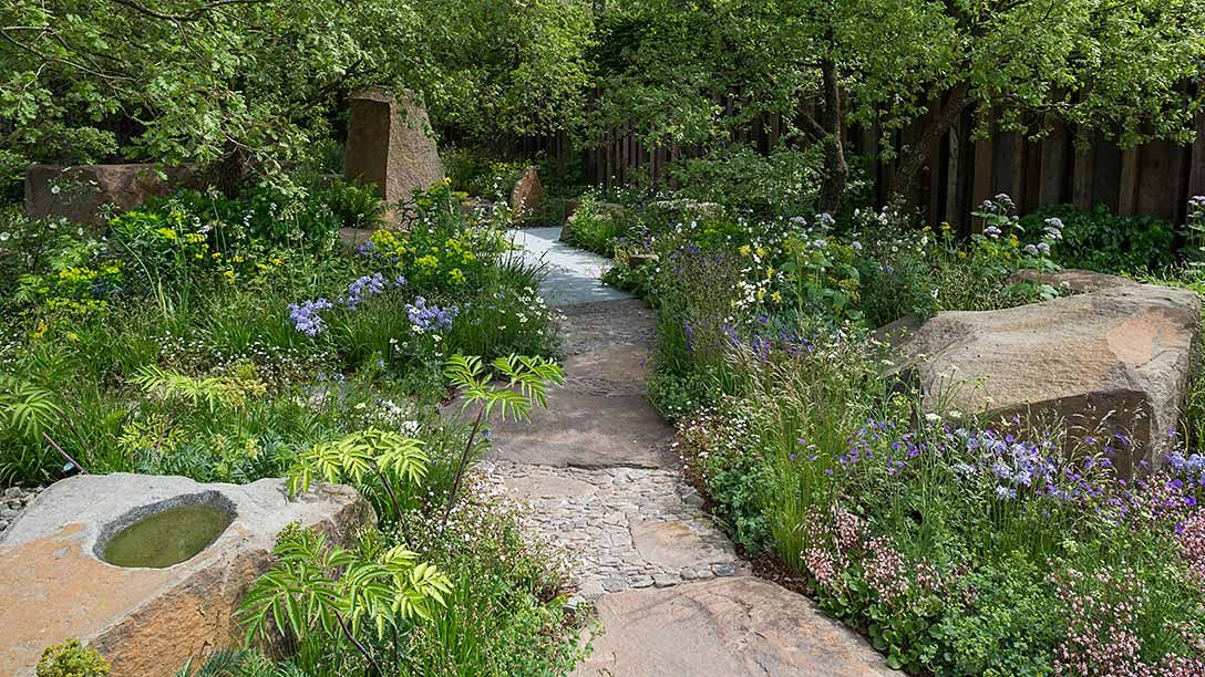 Rhs chelsea flower show 2016 rhs gardening best construction award gold medal winner designed - Chelsea flower show gold medal winners ...