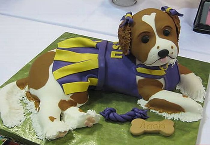 Dog Shaped Cakes 12 Pics Curious Funny Photos Pictures