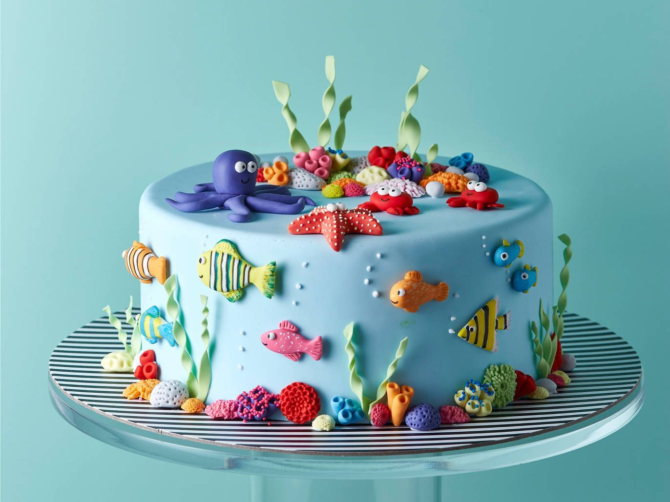 Phenomenal The Best Cake Shops In Hong Kong Time Out Elaborate Cakes Funny Birthday Cards Online Necthendildamsfinfo