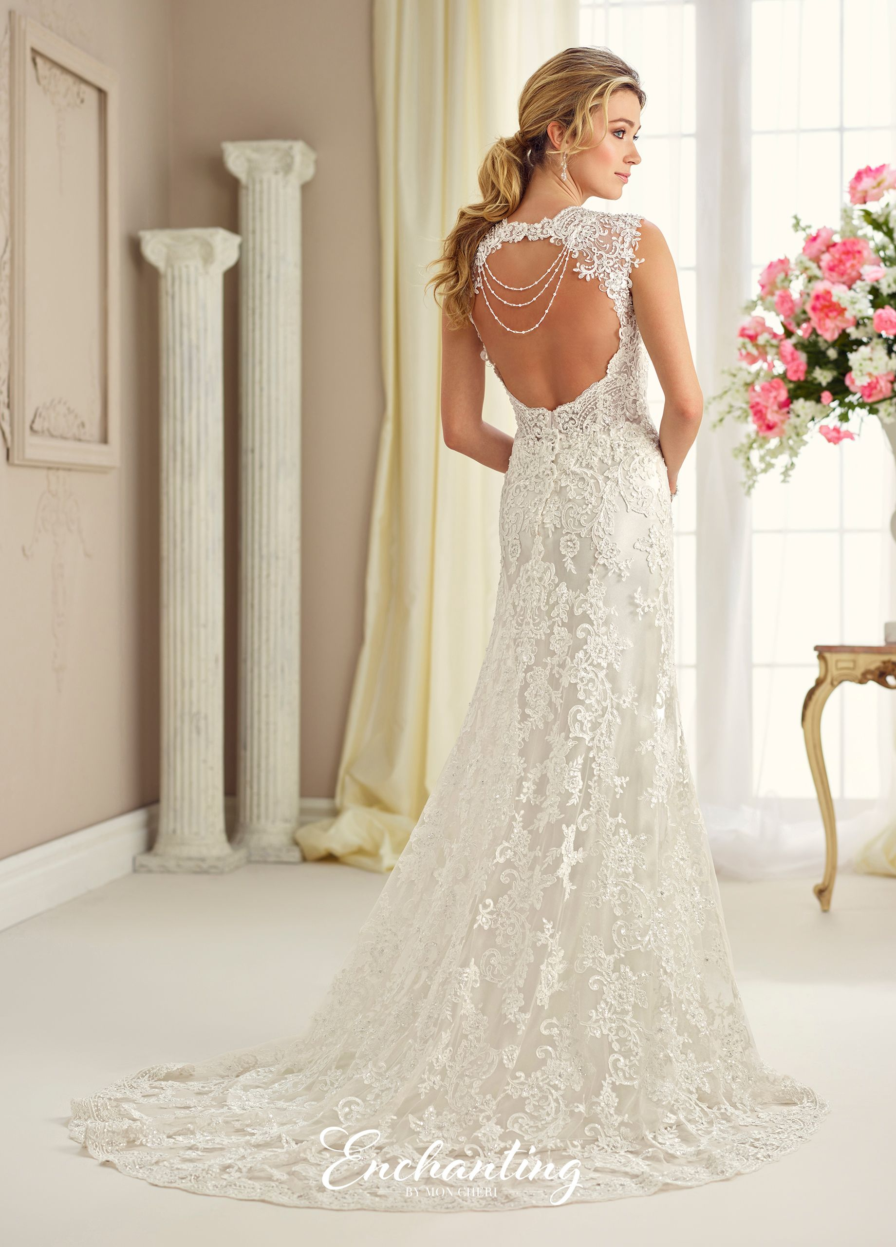 Wedding dress with bow on back  Enchanting Wedding Dresses    Gowns Wedding dress and Weddings